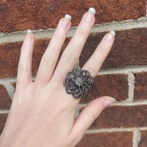 Funky statement flower ring